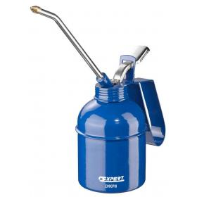 E090702 - Oil can, 500 ml